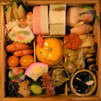 京野菜や全国から取り寄せた旬の食材を使った、店主独自の「KYOTOスタイル」