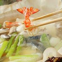 新鮮な魚と野菜を質の美濃紙を使った紙鍋でご堪能下さい