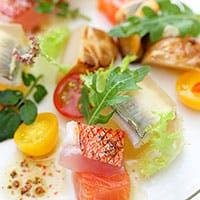 厳選された食材と郷土性豊かな本格イタリア料理とワインのマリアージュ