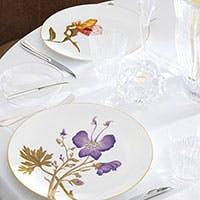 こだわりはお客様の手に触れる物から。皿・カトラリー・小物達、優雅な時間の演出