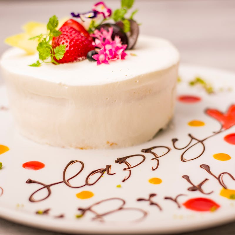 【ハートのピッツアとホールケーキでお祝い】記念日プラン+乾杯スパークリング