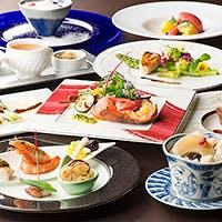 複合レストランならではの、洋中コラボレーションコースメニューがこだわり