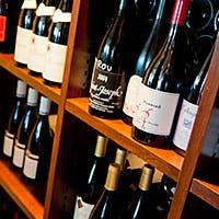 オザミレストランズが誇る4万本におけるストックから厳選されたワインをどうぞ