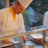 ライブ感溢れるブッフェ料理を五感で愉しむ至福のひととき