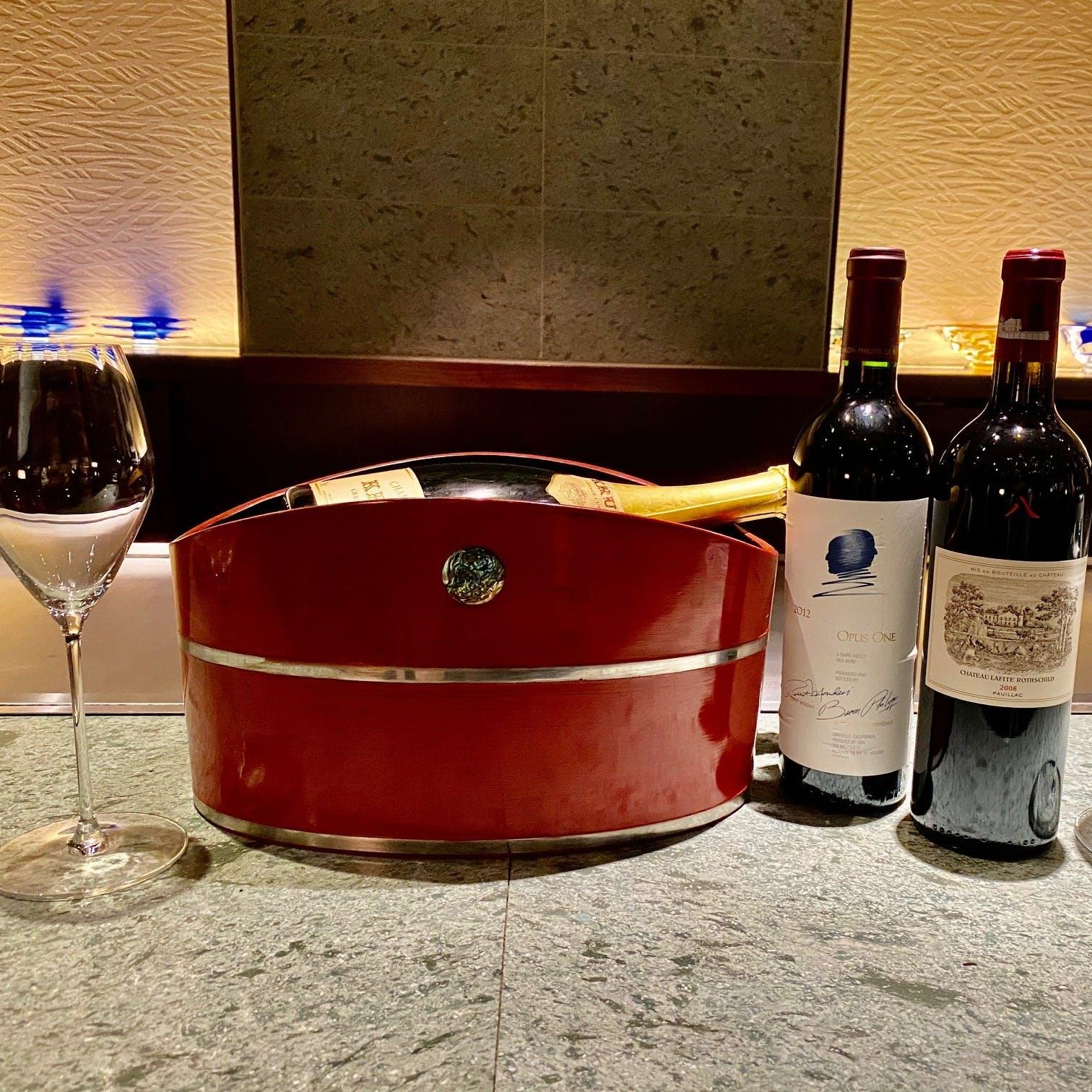 ソムリエが選りすぐるワインを豊富に取り揃え
