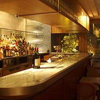 イタリアンリゾートをイメージしたお料理と様々なオリジナルドリンク、カクテル。