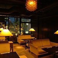 フロアにより異なる一面を見せる銀座の一軒家レストラン