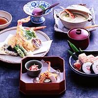 地元の食材を中心とした厳選された素材を用いた、安心で安全な日本料理