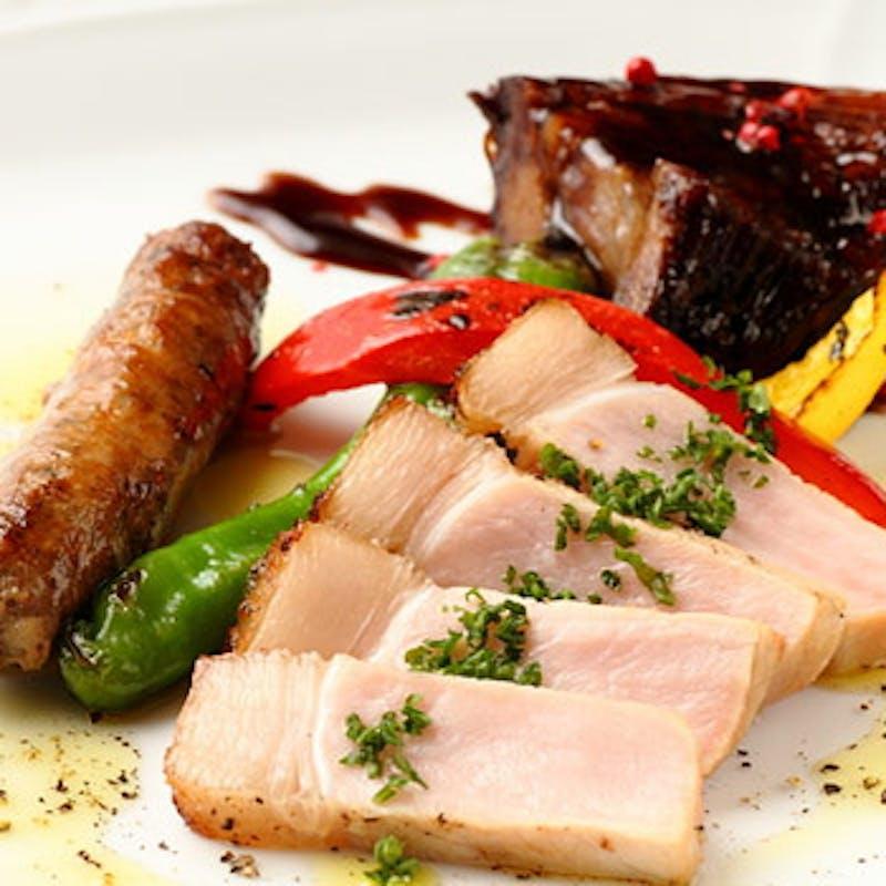 【厳選料理コース】前菜7種盛合せ、パスタ2種、本日の肉料理、デザートなど全5品+選べる1ドリンク