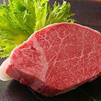 厳選されたお肉は、その日に一番良質なものをご用意