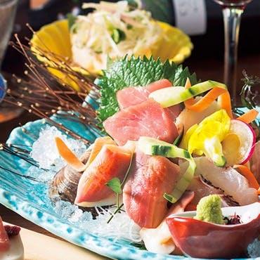 日本各地から直送している厳選された旬食材を使用