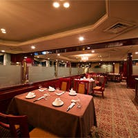 名鉄グランドホテル最上階の18F、個室からは名古屋の夜景を一望可能
