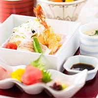 旬の素材を繊細な味わいに仕立てた日本料理の粋を