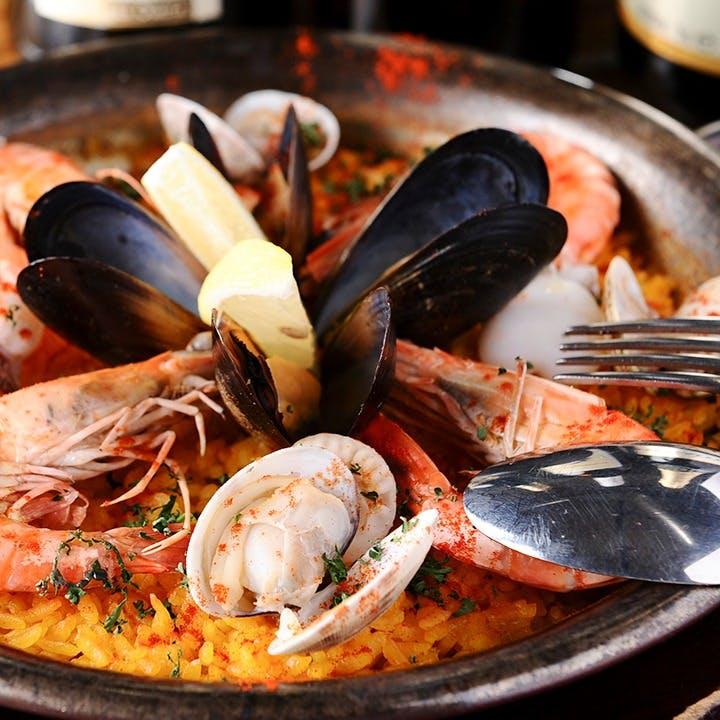 スペイン料理を中心にオリジナルメニューの数々