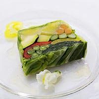 安心かつ安全な多彩な料理の数々は、味だけでなく目でも楽しめます