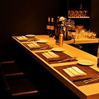 こじんまりと落ち着いた雰囲気のレストラン