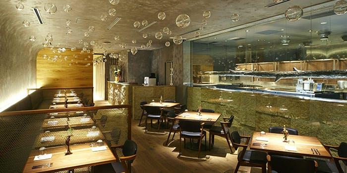 記念日におすすめのレストラン・エ・オ<ベルナール・ロワゾー・スィニャテュール>の写真1