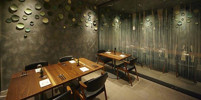 記念日におすすめのレストラン・エ・オ<ベルナール・ロワゾー・スィニャテュール>の写真2