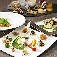 有機野菜や生産者が見える野菜などを使った「さくらすてきメニュー」