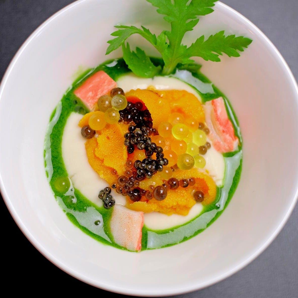 日本の食材を独創的なフレンチに 『心に響く衝撃的なお料理を通して感動を貴方に』