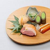 器や盛りつけからも季節が香り立つ四季を感じる料理