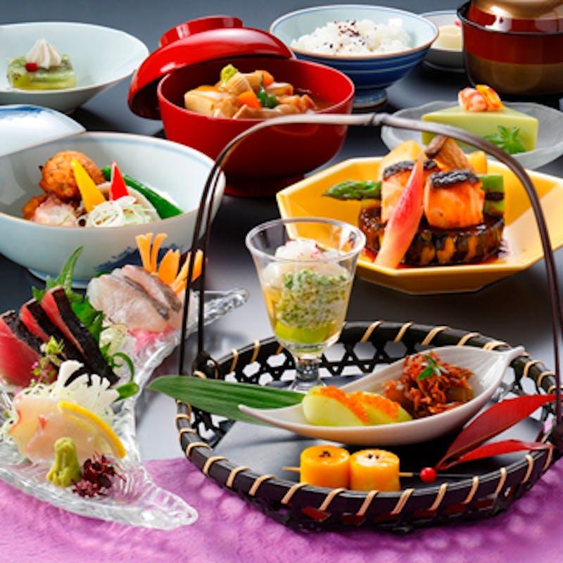 加賀懐石「蓬莱」~素材の旨味を季節ごとに味わう~+1ドリンク付き!