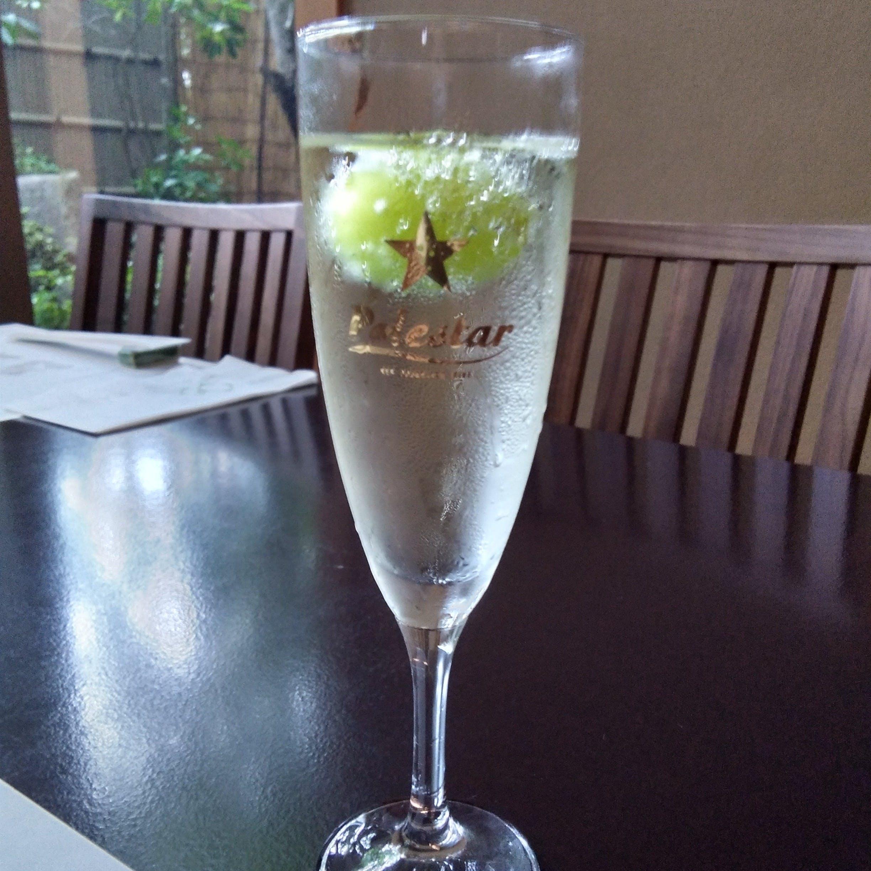 「シャインマスカット」が入ったスパークリングワイン付きプランご提供中!