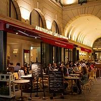 シノワズリー×パリスタイルのカフェ&レストラン