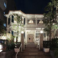 """私たちが目指すのは、 皆様に愛される神戸""""北野""""に根付いた唯一無二のレストラン"""