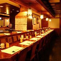 古都鎌倉の情緒漂う 落ち着いた雰囲気のカウンター席