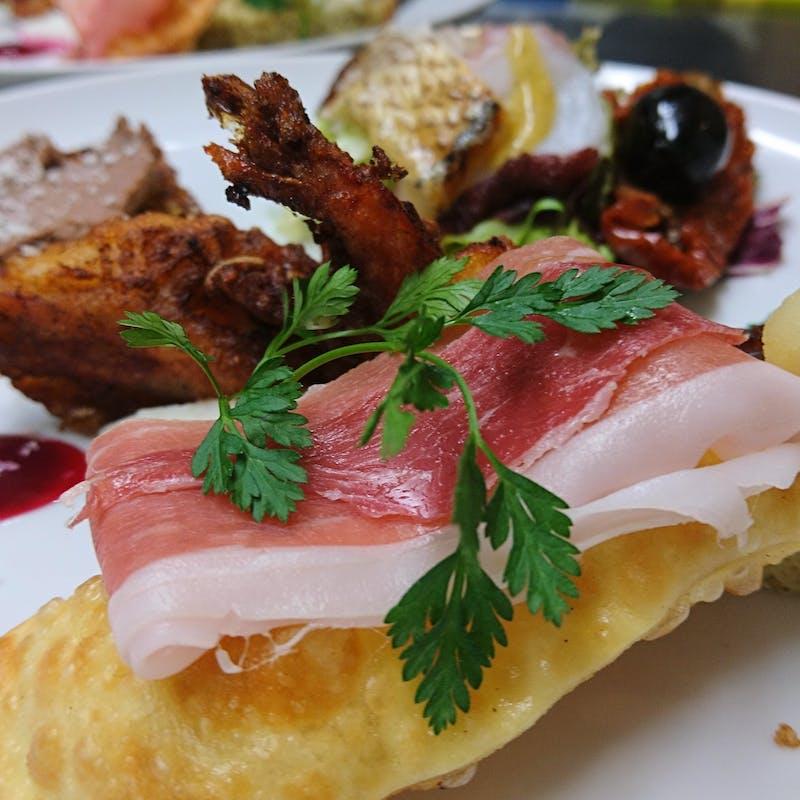 【お気軽ランチコース】前菜の盛合せ、パスタ、デザートなど全4品+選べる2ドリンク
