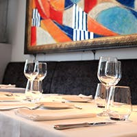 閑静な目白の地に佇む小さなレストラン