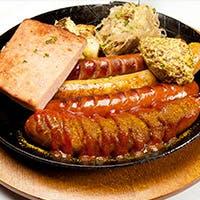 伝統のドイツ料理をご堪能ください