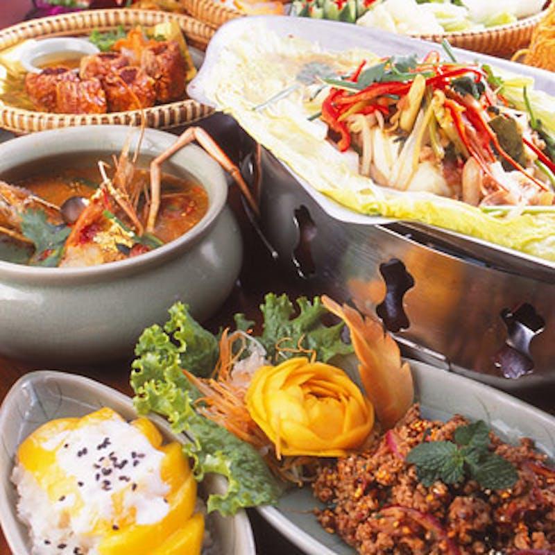 【タイ政府認定5つ星ランチブッフェ】魚料理、肉料理など(平日)