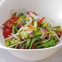 新鮮な野菜を毎日空輸しています