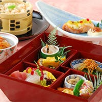 神戸の景色と共に味わっていただく懐石料理は格別です