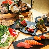 新鮮な旬のネタを豊富に揃え、手間を惜しまず極上の味をご提供