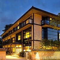 ひときわ緑豊かな名勝・奈良公園に隣接する「登大路ホテル奈良」