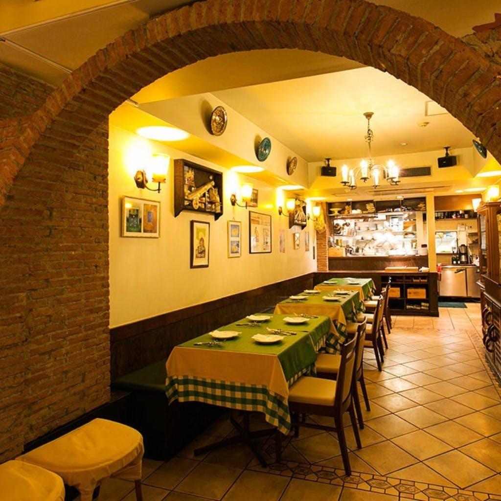 地下の隠れ家トラットリアで本格イタリアンをご堪能ください