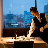 カジュアル感と上質なサービスを両立させた、温かみ溢れるレストラン