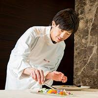 東京名店の味を伝承しつつ、繊細でオリジナリティ溢れる一皿を