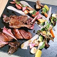 厳選食材を使用した骨太かつ繊細なビストロ料理