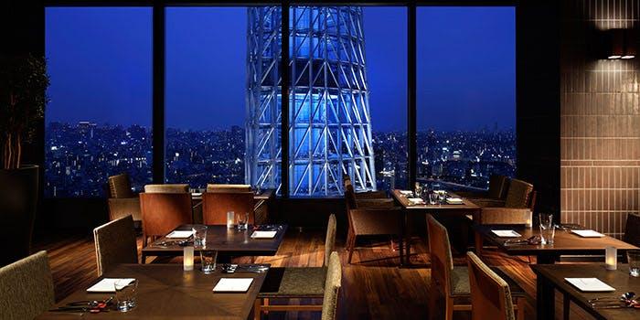 記念日におすすめのレストラン・イザーレ シュウ チエロ/東京ソラマチ30Fの写真2