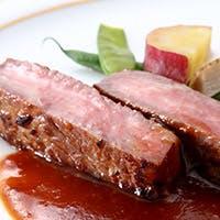 ホテルの洗練された料理とサービス 記念日や接待に最適