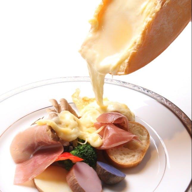 大人気!北海道「花畑牧場」産トロトロのラクレットチーズ
