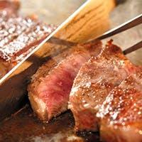 お好み焼きや鉄板焼きだけでなく、多種多彩なイタリアンメニューも同時に味わえる店