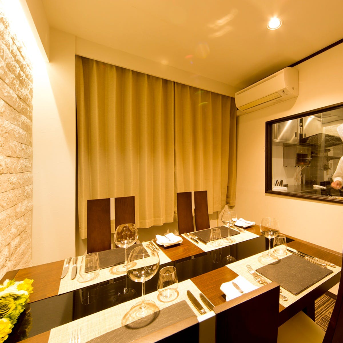 厨房が見える部屋(2名~3名席)