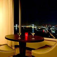 優雅なレインボーブリッジと東京名所の東京タワーを臨む「東京リゾートビュー」