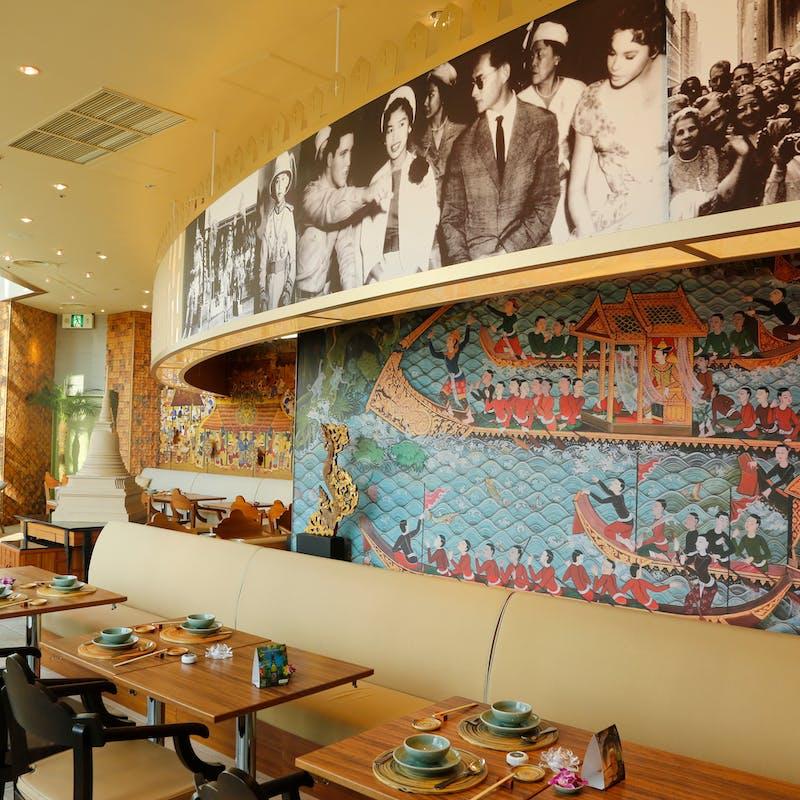 【プレミアムビュッフェ】前菜、魚料理、肉料理、デザートなど+ドリンクバー(土日祝)