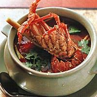 タイ政府認定5つ星を授与された世界で経験を積んだ熟練シェフが伝統料理でおもてなし